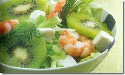 nsalada de camarones y kiwi. Receta | cocinamuyfacil.com