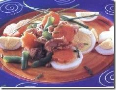 Ensalada de atún y huevo. Receta | cocinamuyfacil.com