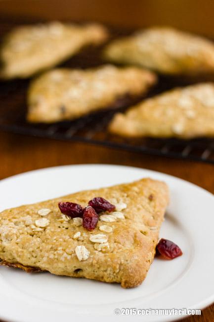 Scones de arándanos. Receta | cocinamuyfacil.com