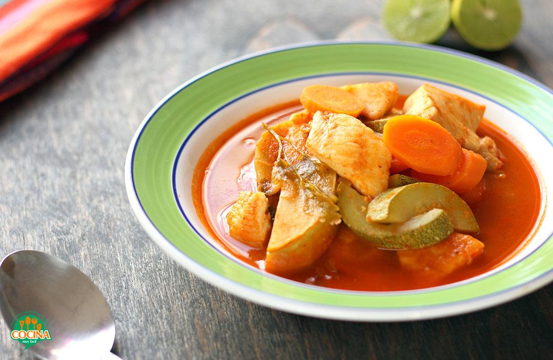 Caldo de Pescado. Receta | cocinamuyfacil.com