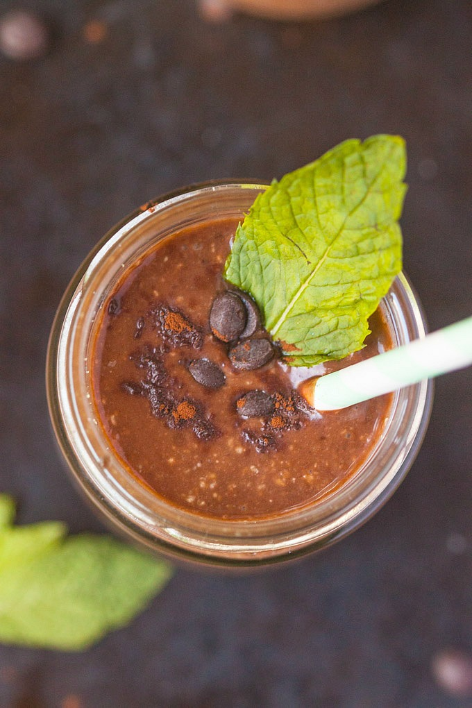 Healthy peppermint Patty smoothie from The Big Man's World