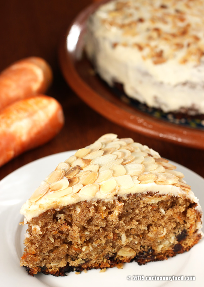 Pastel de zanahoria. Receta | cocinamuyfacil.com