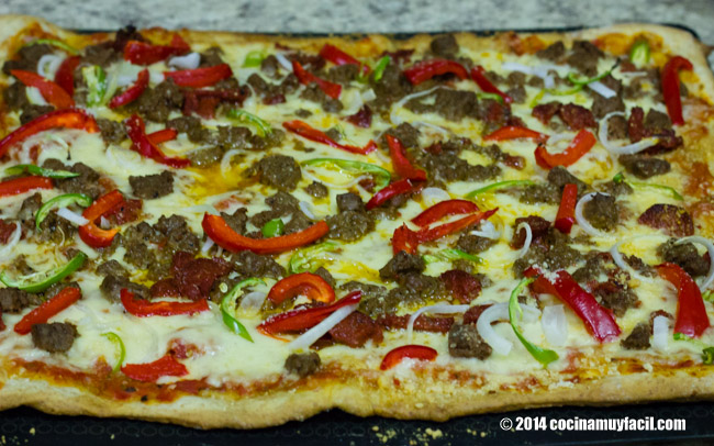 Mexican pizza. Recipe | cocinamuyfacil.com