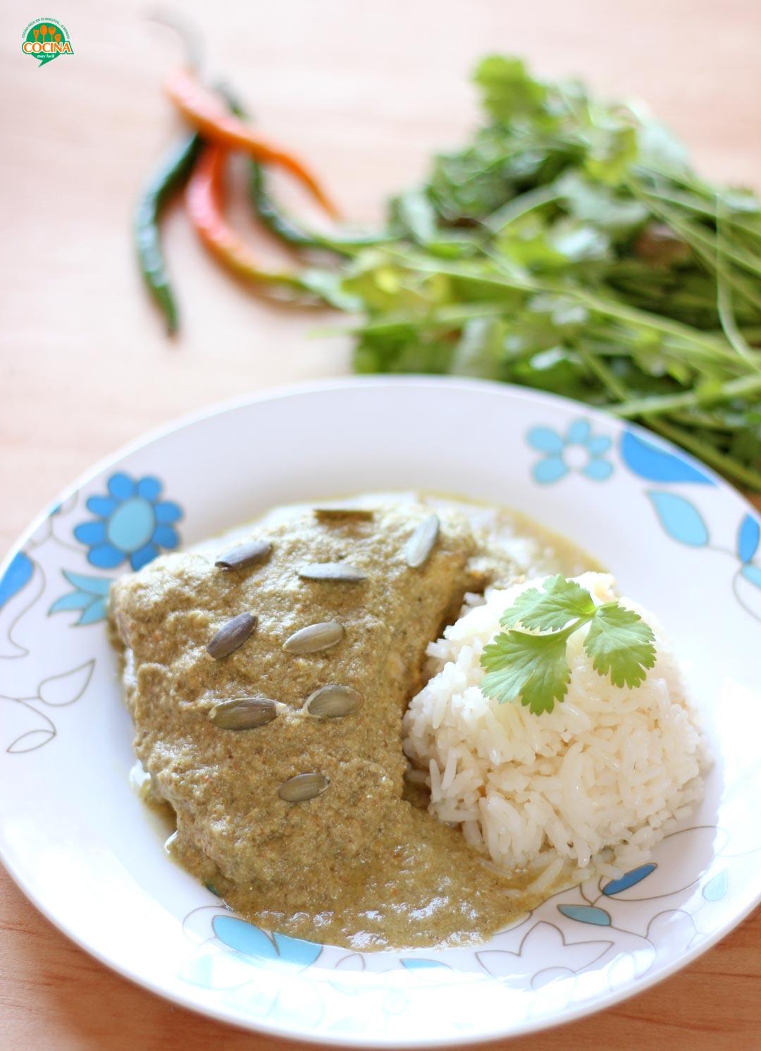 Pollo en mole verde. Receta | cocinamuyfacil.com