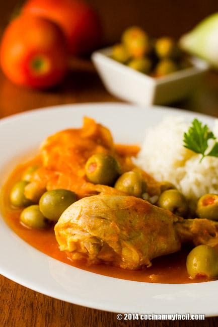 chicken in olive sauce | cocinamuyfacil.com