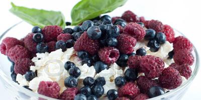 Bocadillo para el trabajo: Queso cottage y frutillas