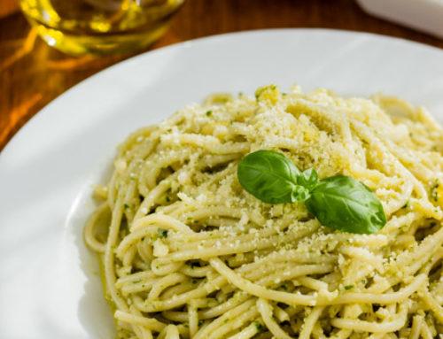 Spaghetti al pesto de albahaca y almendra. Receta