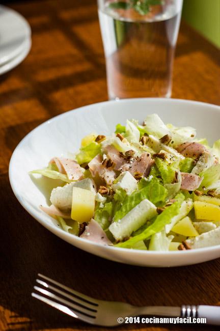 Ham and cheese salad. Recipe | cocinamuyfacil.com
