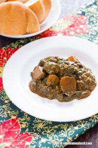 Romeritos en mole con nopales y papas. Receta para Navidad | cocinamuyfacil.com